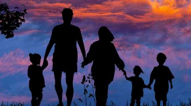La familia, célula básica de la sociedad