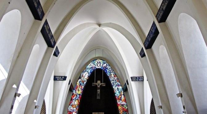 La crucifixión en el arte contemporáneo